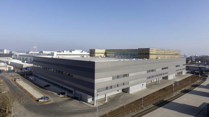 Logistikhalle und Vormontagezentrum Halle B im Ingolstädter Güterverkehrszentrum (GVZ)